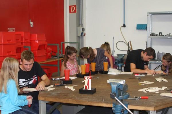 Grünsfelder Kinder besuchten im Rahmen des Ferienprogrammes der Stadt Grünsfeld die Bohlender GmbH